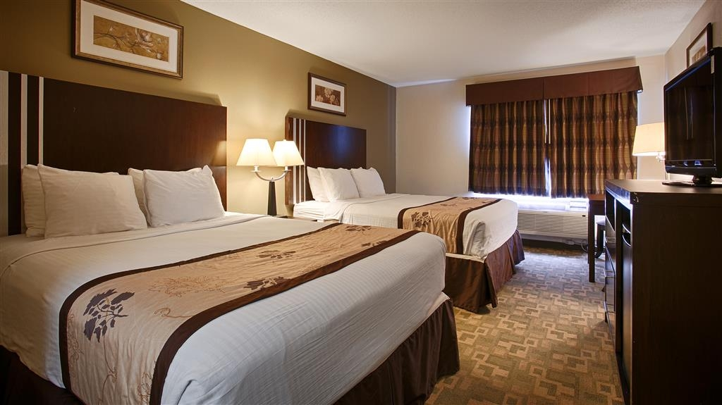 Best Western Alexandria Inn - Bringing the family along? Then make a reservation for our double queen bedroom.