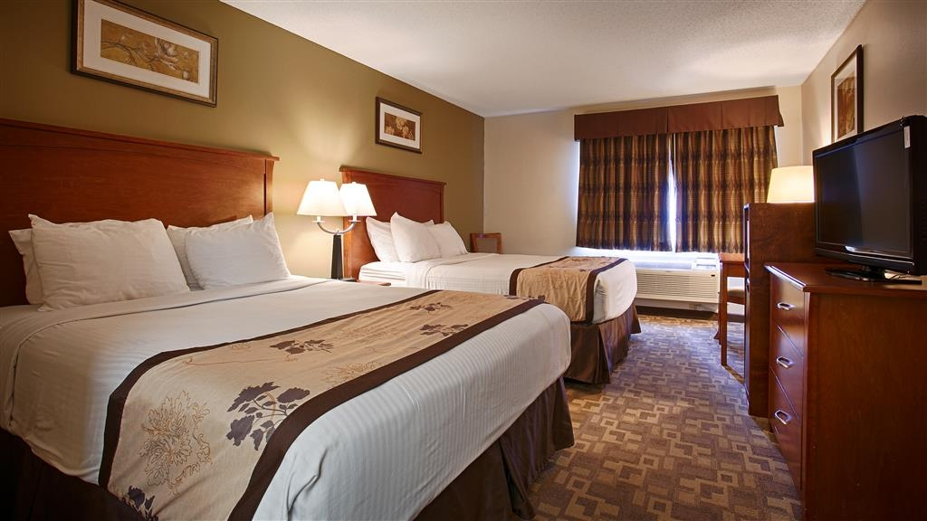 Best Western Alexandria Inn - Sink into our comfortable beds each night and wake up feeling completely refreshed.