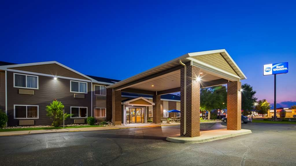 Best Western Alexandria Inn - No matter what time of year, we know you will love the Best Western Alexandria Inn.