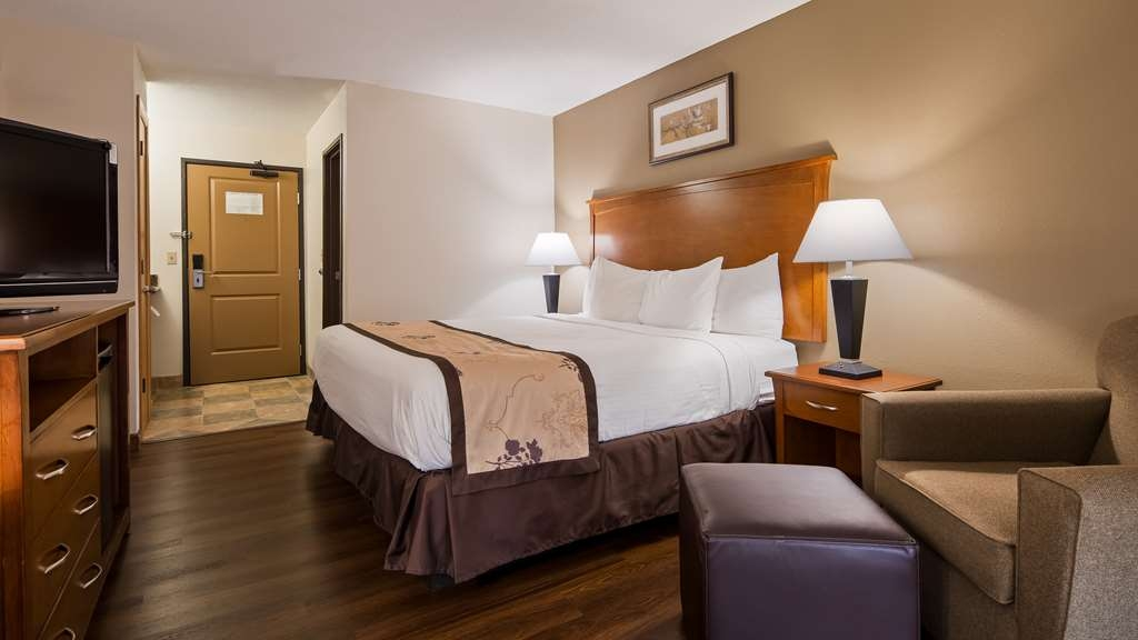 Best Western Alexandria Inn - Enjoy all the comforts of home in our King Guest Room.