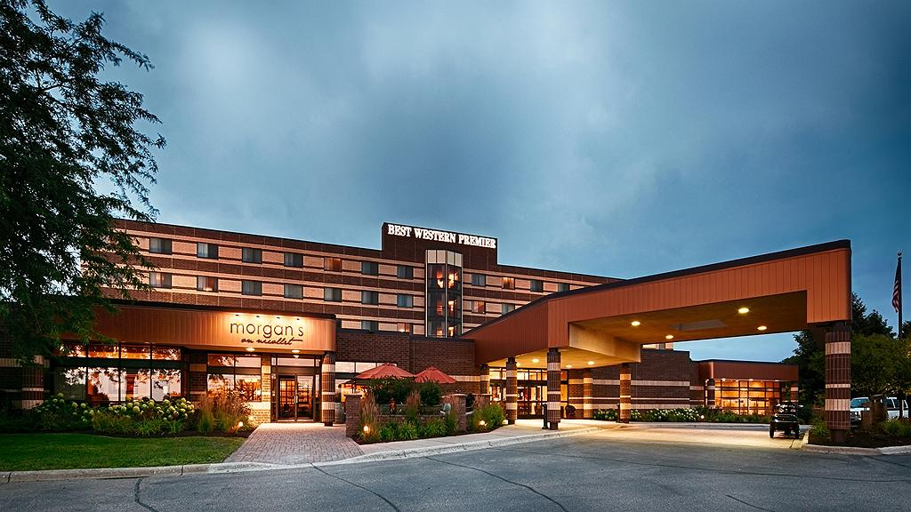 Best Western Premier Nicollet Inn - Thereu2019s no better way to experience Burnsville, MN than from the Best Western Premier Nicollet Inn.
