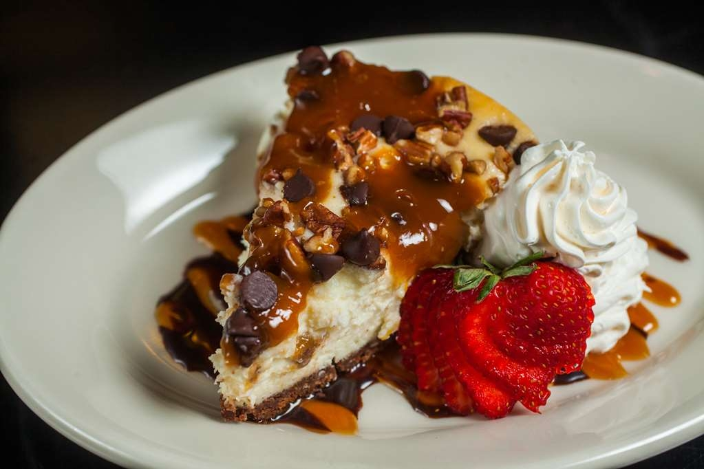 Best Western Premier Nicollet Inn - To satisfy your dessert palate try our delectable Turtle Cheesecake!