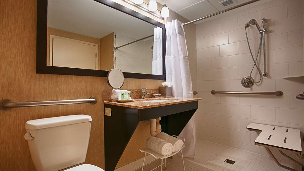 Best Western Premier Nicollet Inn - We've designed our ADA mobility accessible bathrooms with roll-in showers to make our guests feel more comfortable.