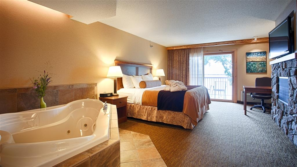 Best Western Premier The Lodge on Lake Detroit - Suite