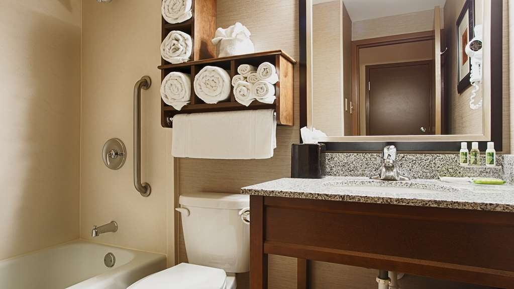 Best Western Plus Willmar - Enjoy getting ready for a day of adventure in this fully equipped guest bathroom.