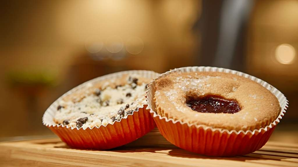 Best Western Plus Willmar - Let the kids splurge and grab an extra pastry for the road.