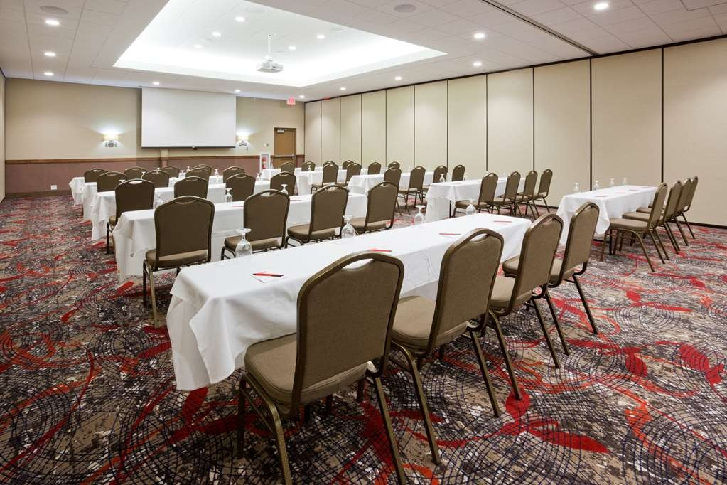 Best Western Plus Willmar - Our meeting rooms are the ideal setting for corporate events. Call our staff to book today!