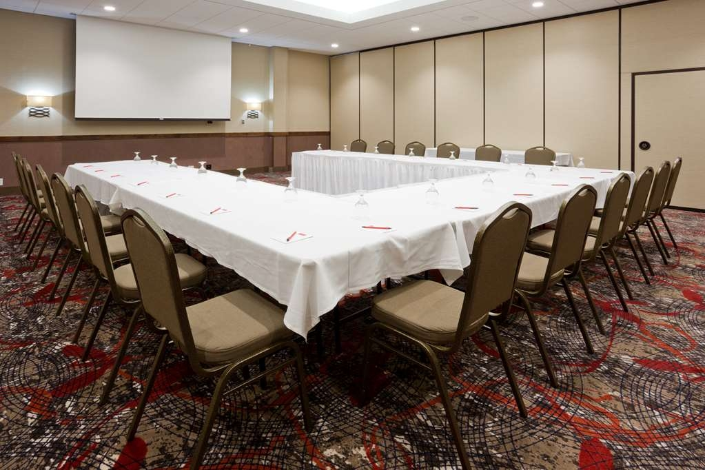 Best Western Plus Willmar - Audio/Visual capabilities and catering are available to make your meeting successful.