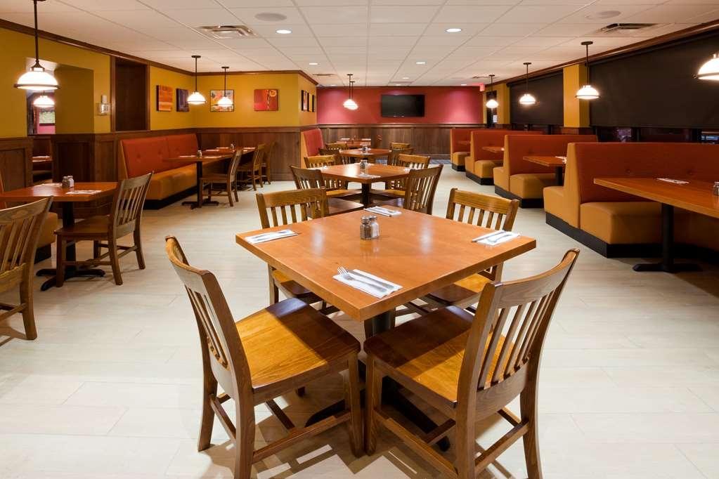 Best Western Plus Willmar - Green Mill Willmar Restaurant