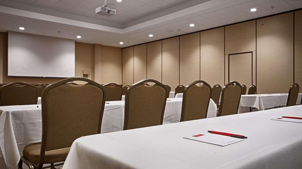 Best Western Plus Willmar - Salle de réunion