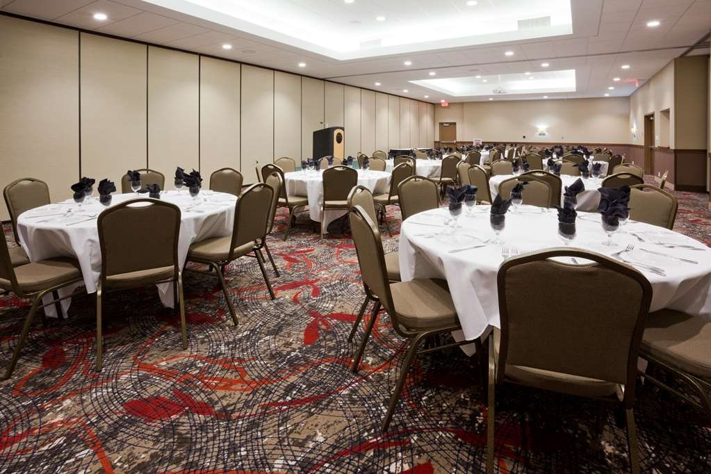 Best Western Plus Willmar - The Grand Ballroom can be split into seven different galleries.