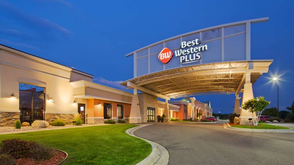 Best Western Plus Willmar - At this Willmar hotel, you are a short drive from many attractions such as the Sibley State Park.