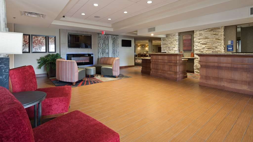 Best Western Plus Willmar - Be sure to stop by our front desk for help with check in/out.