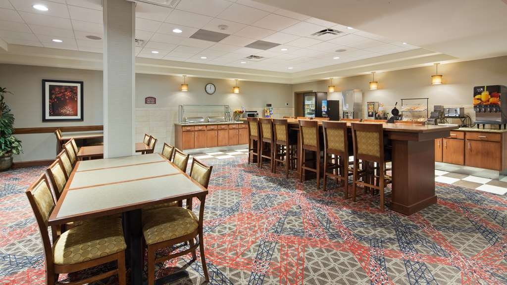 Best Western Plus Willmar - Enjoy a balanced and delicious breakfast with options for everyone.