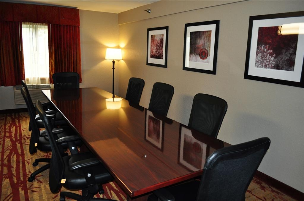 Best Western Plus Minneapolis-Northwest - Need to schedule a meeting for business? We have space available for you and your clients.