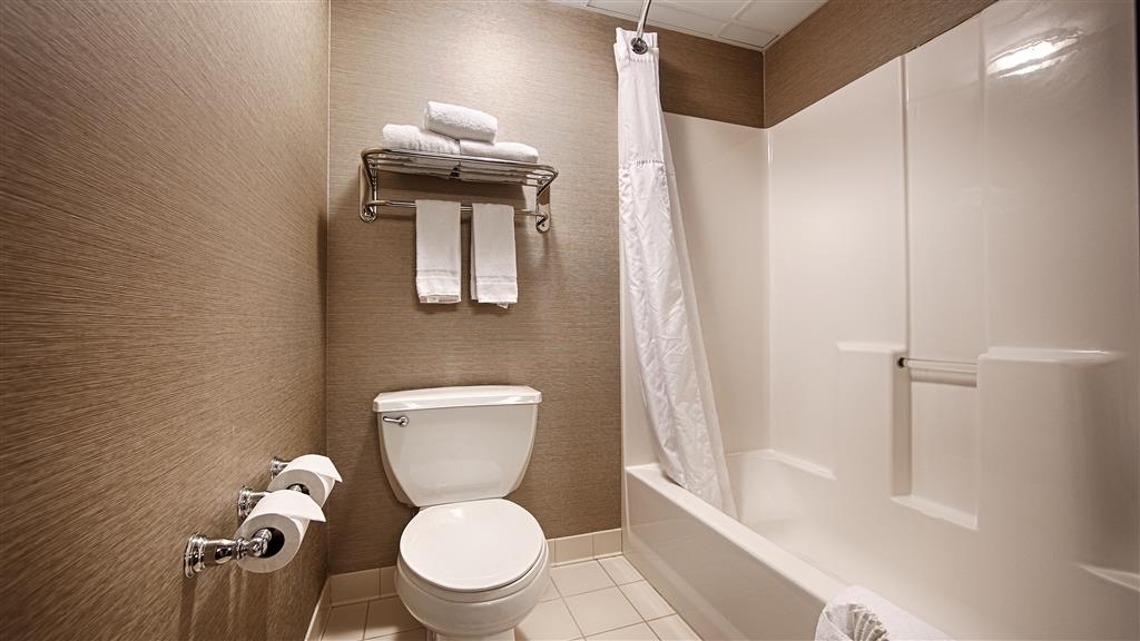 Best Western Plus Minneapolis-Northwest - Enjoy getting ready for the day in our fully equipped guest bathrooms.