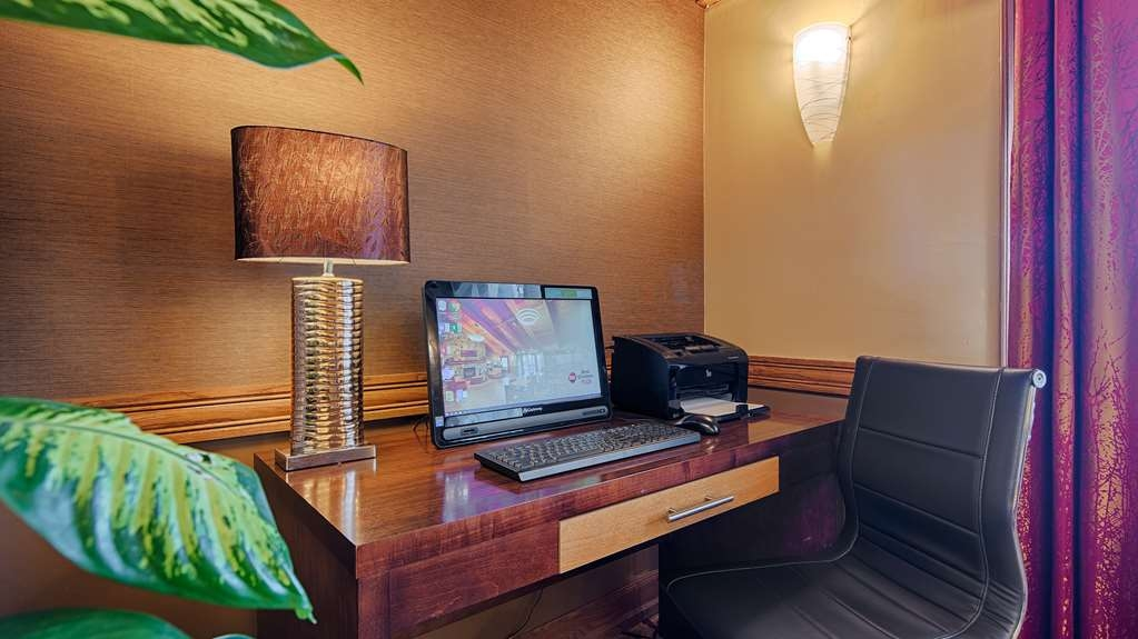Best Western Plus Minneapolis-Northwest - Stay productive during your time away from home in our business center.