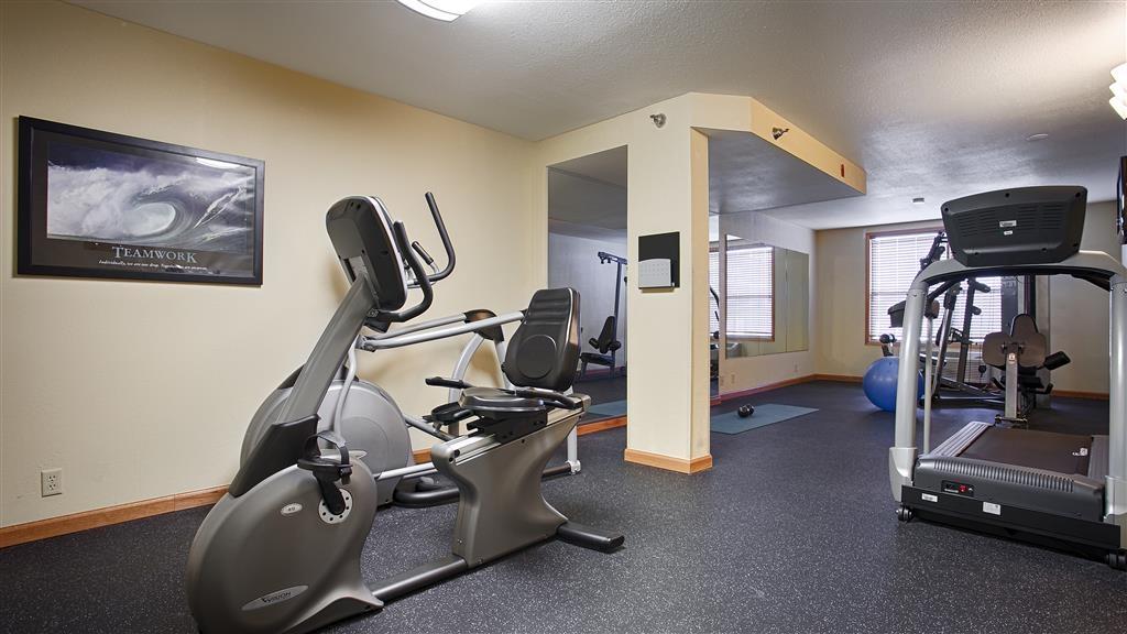 Best Western Plus Spirit Mountain Duluth - Notre centre de fitness vous permet de garder votre rythme d'entraînement habituel même lorsque vous n'êtes pas chez vous.