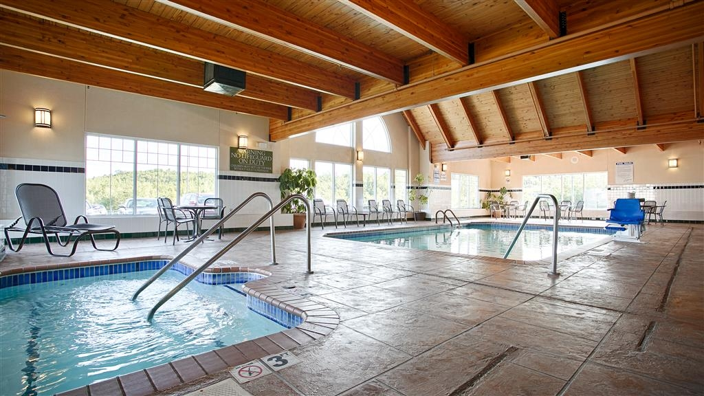 Best Western Plus Spirit Mountain Duluth - Poolansicht