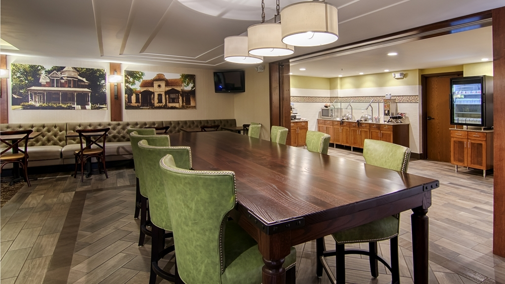 Best Western Plus New Ulm - Sit down and enjoy the morning news while sipping a delicious cup of coffee.