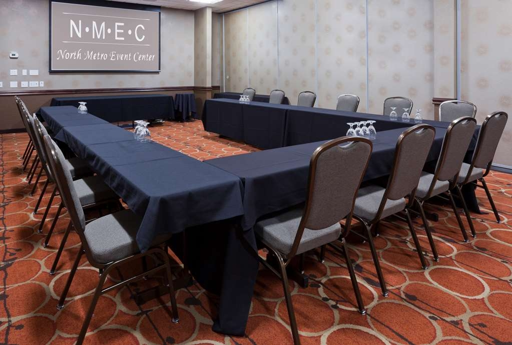 Best Western Plus St. Paul North/Shoreview - Need to schedule a meeting for business? We have the space available for you and your clients.