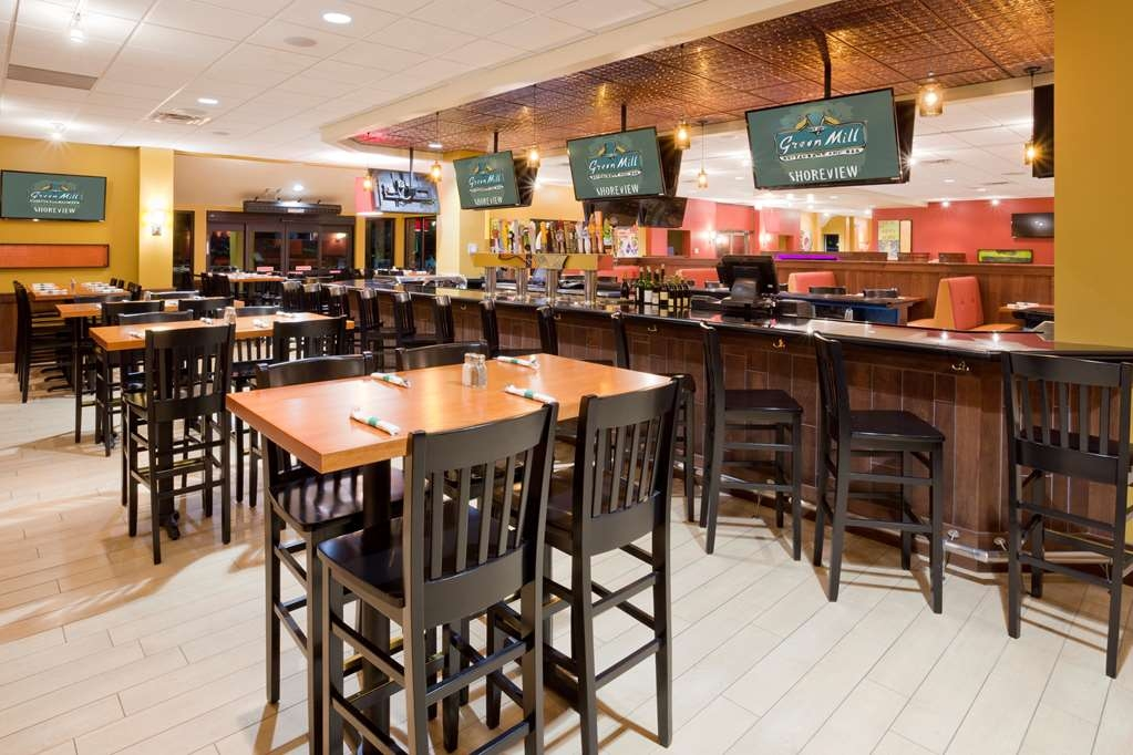 Best Western Plus St. Paul North/Shoreview - Bar / Lounge