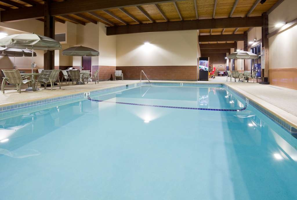 Best Western Plus St. Paul North/Shoreview - Enjoy a dip in our huge indoor heated swimming pool during your stay.