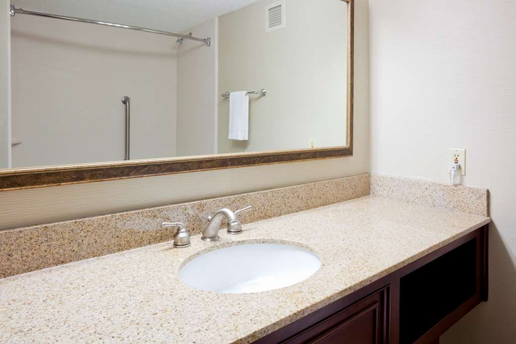 Best Western Plus St. Paul North/Shoreview - Badezimmer