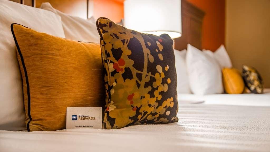 Best Western Plus St. Paul North/Shoreview - Guest Room
