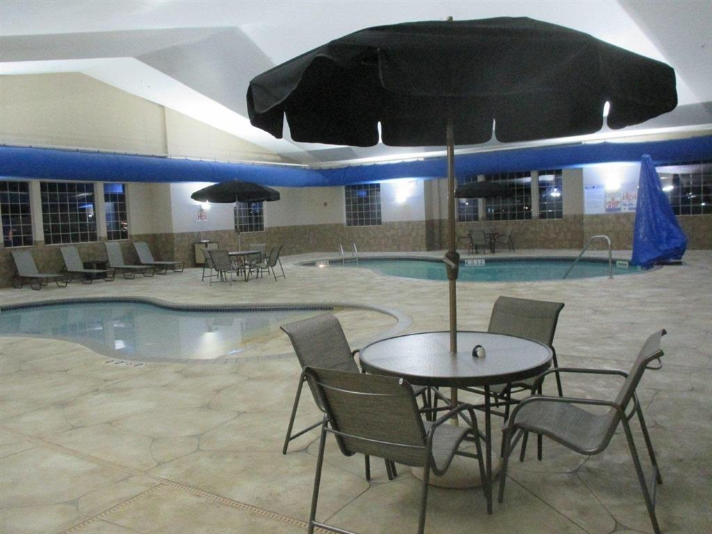 Best Western Plus Blaine at the National Sports Center - Piscina