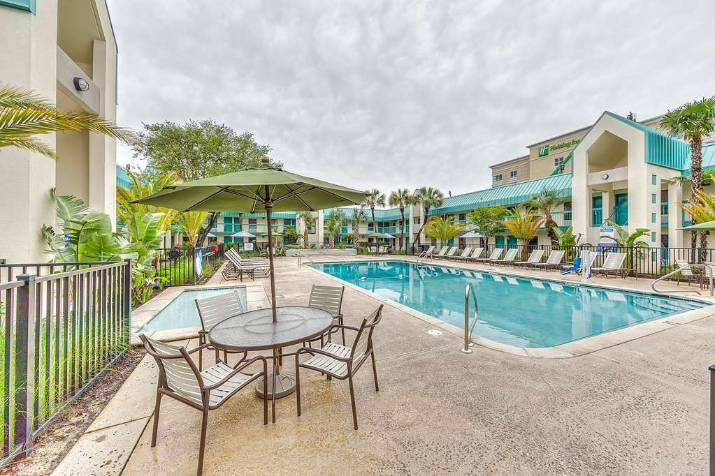 Best Western Seaway Inn - The Best Western Seaway Inn Gulfport Seasonal Swimming Pool