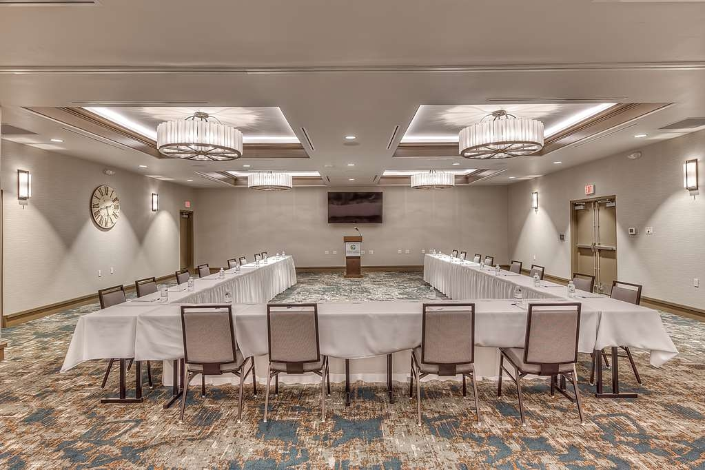 "Best Western Seaway Inn - The Chandeleur Island event rooms at the Gulf Coast Event Center features 80"" Flat Screen HD Televisions and complimentary Wi-Fi. Additional Audio Visual Equipment is available upon request."