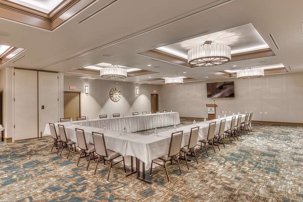 Best Western Seaway Inn - The Gulf Coast Event Center is meeting planners one stop shop when planning their next event. Whether the event has 10-250 people, our event center offers many features that no other hotel or event center on the Mississippi Gulf Coast can offer.