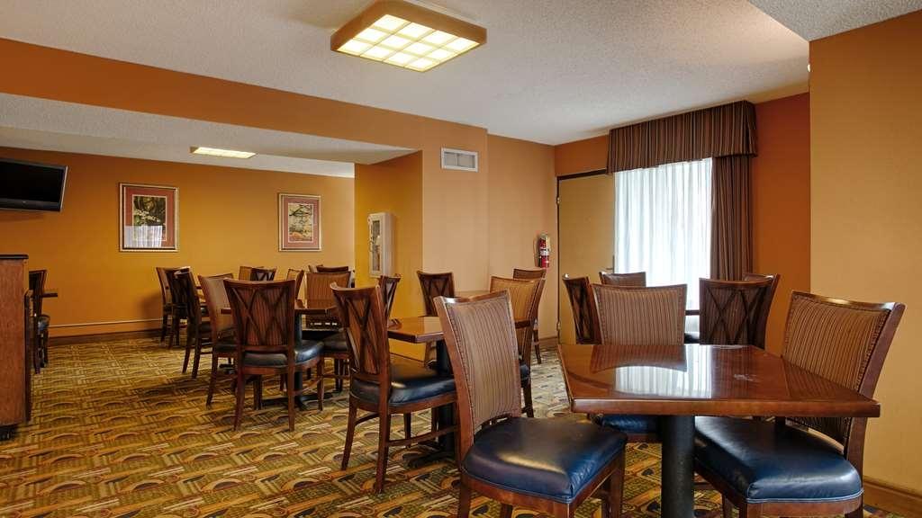 Best Western Flagship Inn - Breakfast Seating Area