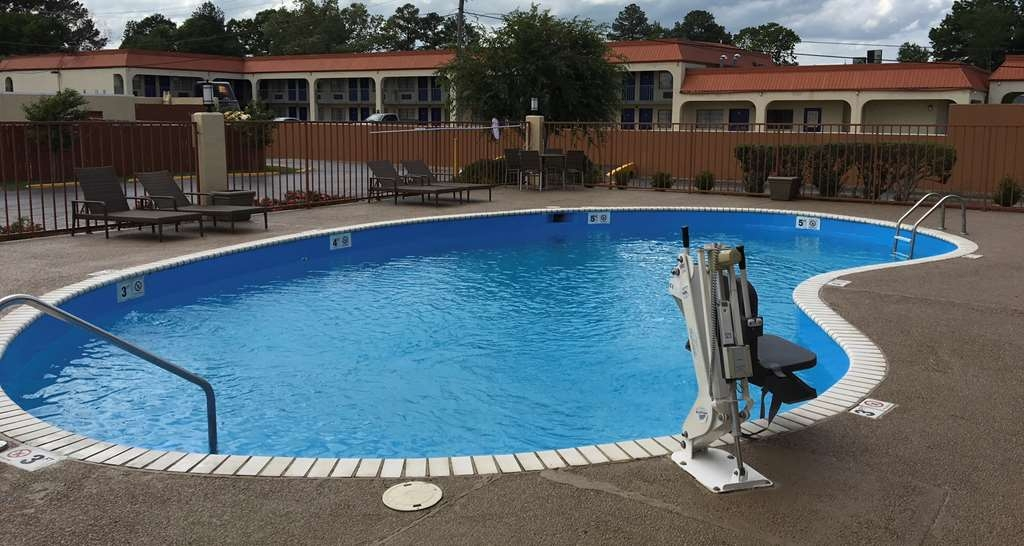 Best Western Airport Inn - Piscina