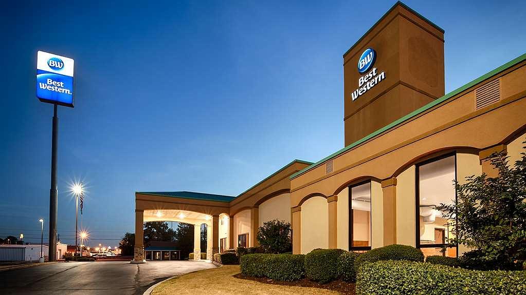 Best Western Executive Suites - Facciata dell'albergo