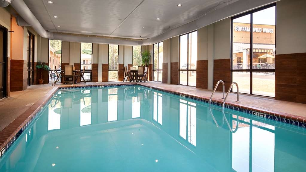 Best Western Executive Suites - Vue de la piscine