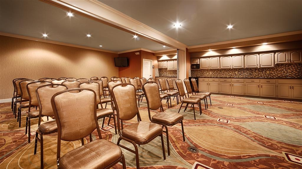 Best Western Executive Suites - Meeting Room