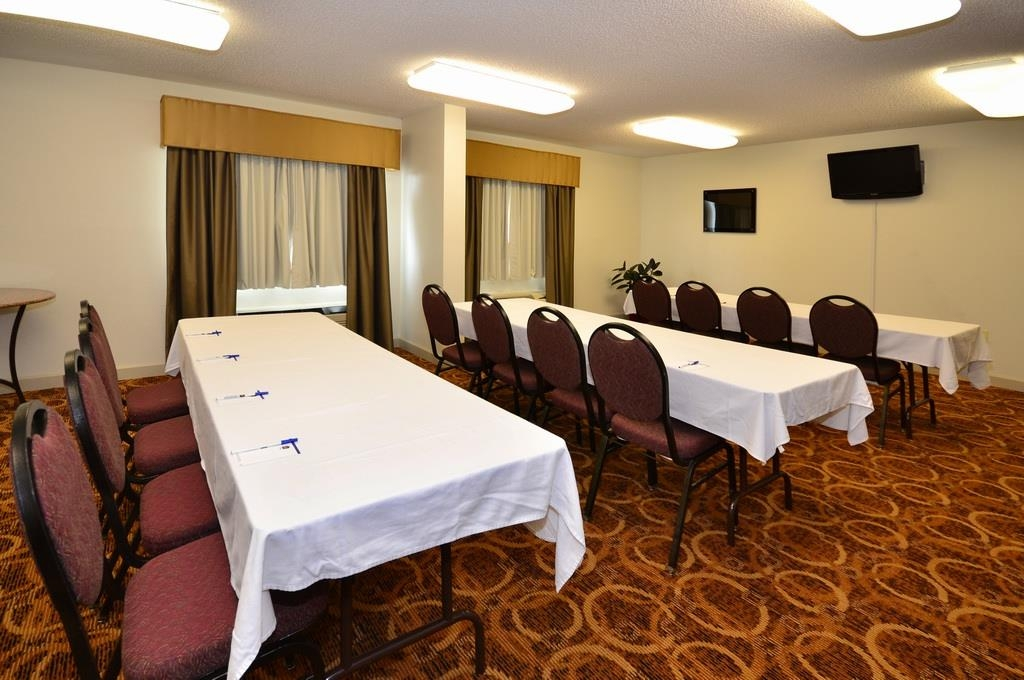 Best Western Plus Cypress Creek - Need to schedule a meeting for business? We have space available for you and your clients.