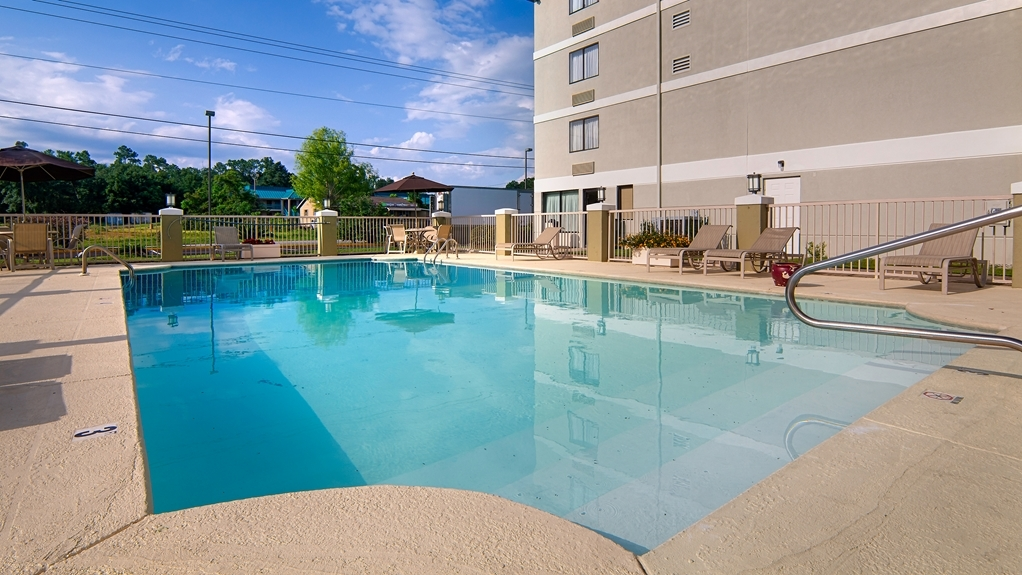 Best Western Plus Cypress Creek - Outdoor Pool