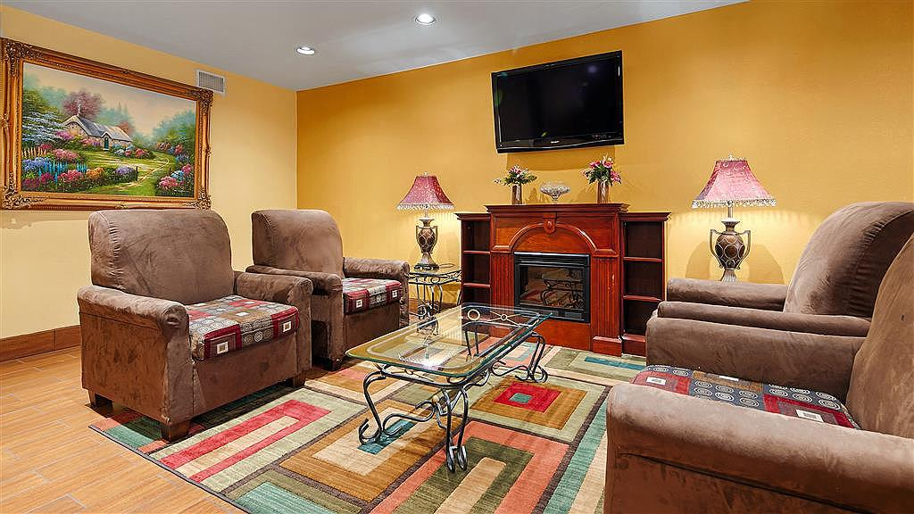Best Western Canton Inn - We strive to exceed your every expectation starting from the moment you walk into our lobby.
