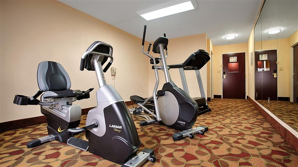 Best Western Canton Inn - Fit a workout into your busy day during your stay with the convenience of our 24-hour fitness center.
