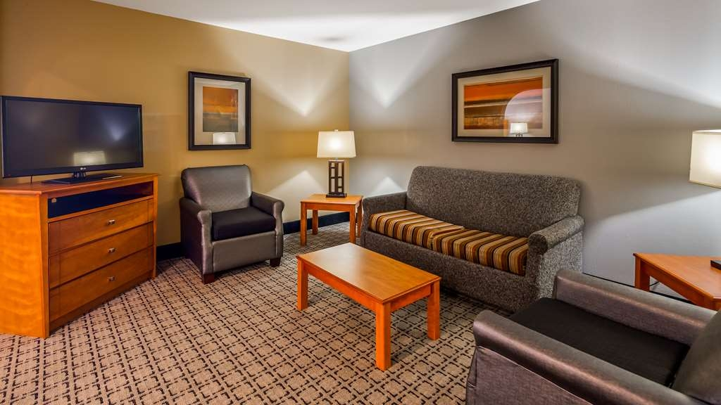 Best Western Plus Jackson Downtown-Coliseum - Sitzbereich in Executive-Suite