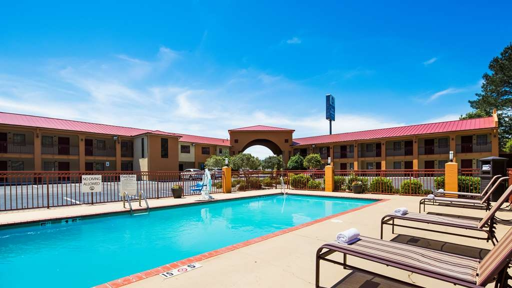 Best Western Richland Inn & Suites - Pool view