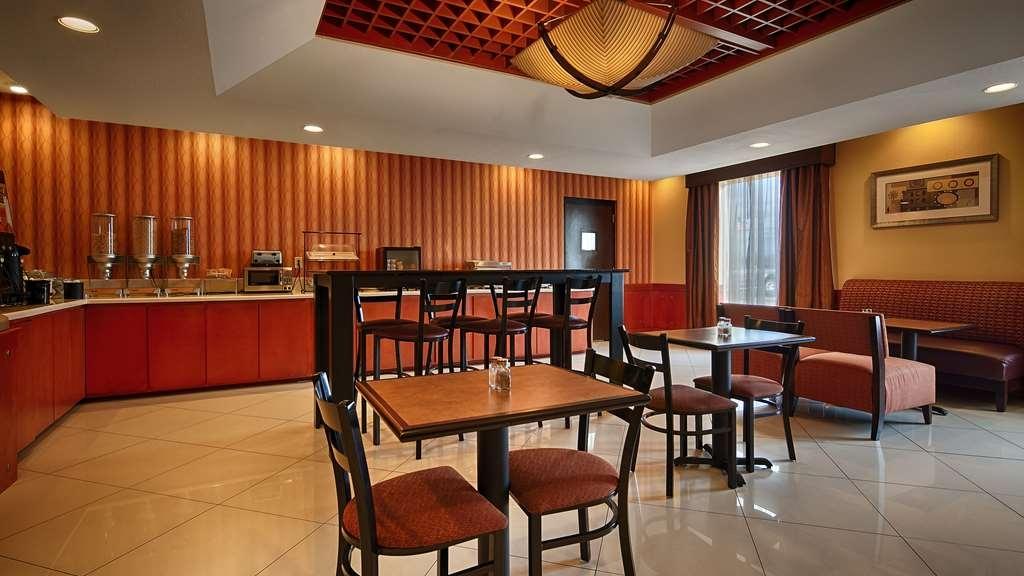 Best Western Plus Flowood Inn & Suites - Desayuno Buffet