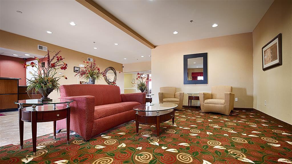 Best Western Plus Olive Branch Hotel & Suites - Lobbyansicht
