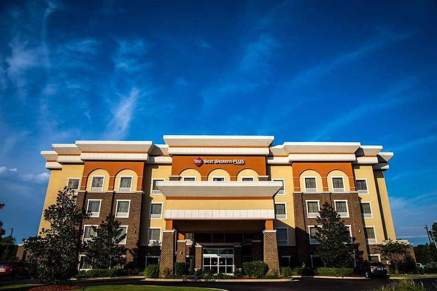 Best Western Plus Goodman Inn & Suites - Aussenansicht