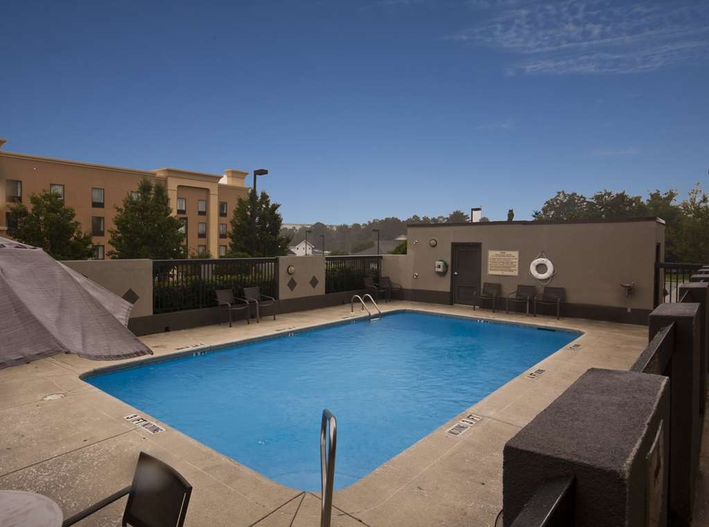 Best Western Laurel Inn - Outdoor Pool