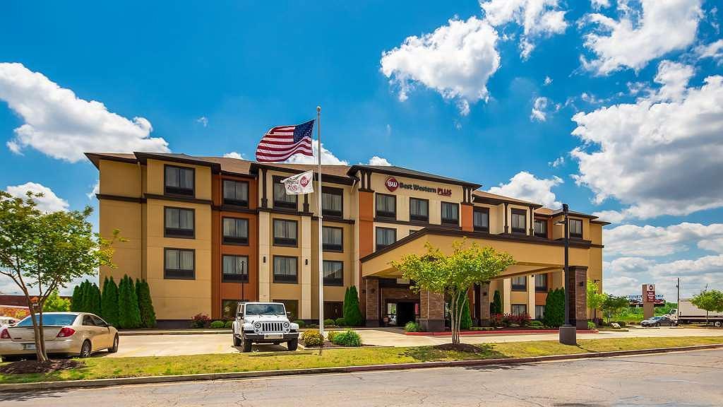 Best Western Plus Tupelo Inn & Suites - Aussenansicht