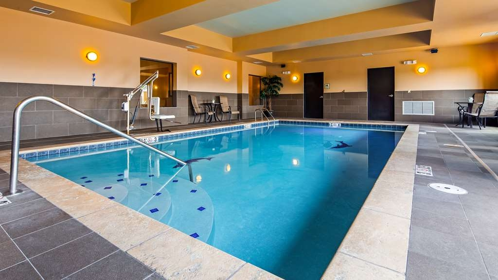 Best Western Plus Tupelo Inn & Suites - Vue de la piscine
